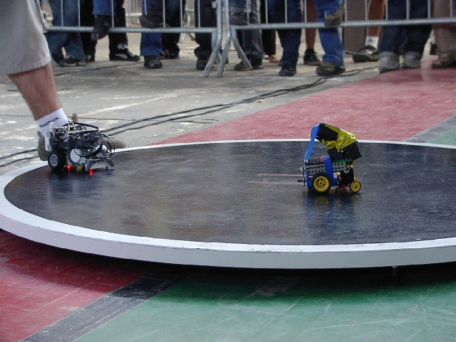 Sumo - Robot Sports of the Future - Yell Robot