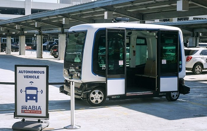 Driverless Shuttle Austin Airport - YellRobot