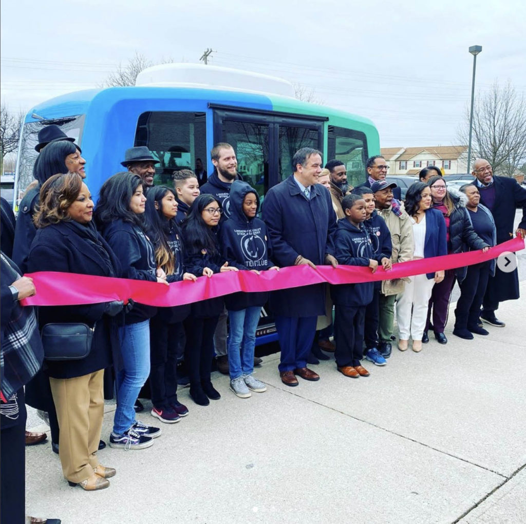 Linden Leap Self-Driving Shuttles Columbus Ohio- YellRobot